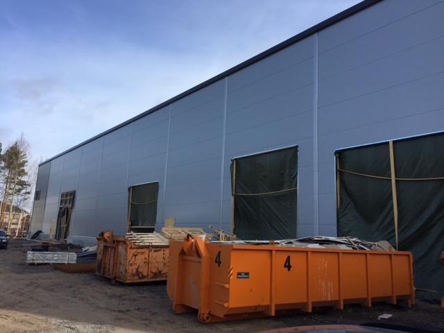 Uuden hallin rakennustyö
